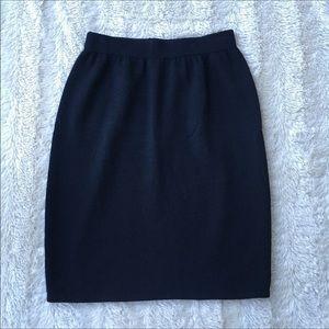 St.John Sz 8 mini classic all black skirt